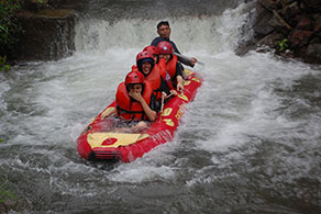 Fun Gathering dan Rafting Ciater